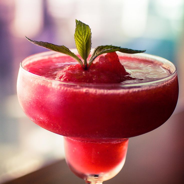 Classic Frozen Daiquiri - The sweetness of strawberries and the kick of lime make this classic daiquiri a real crowd pleaser of a cocktail. Courtesy of #Kenwood