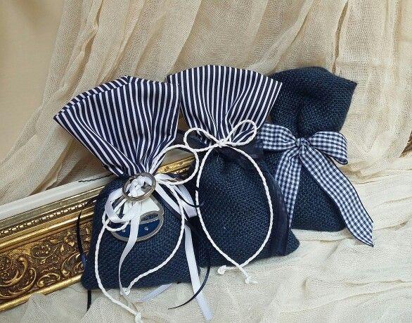 Μπομπονιέρες  βάπτισης  Για αγοράκι! Μπλε πουγκακι σε navy αποχρώσεις!Μπομπονιέρες βάπτισης στις καλύτερες  τιμές της αγοράς
