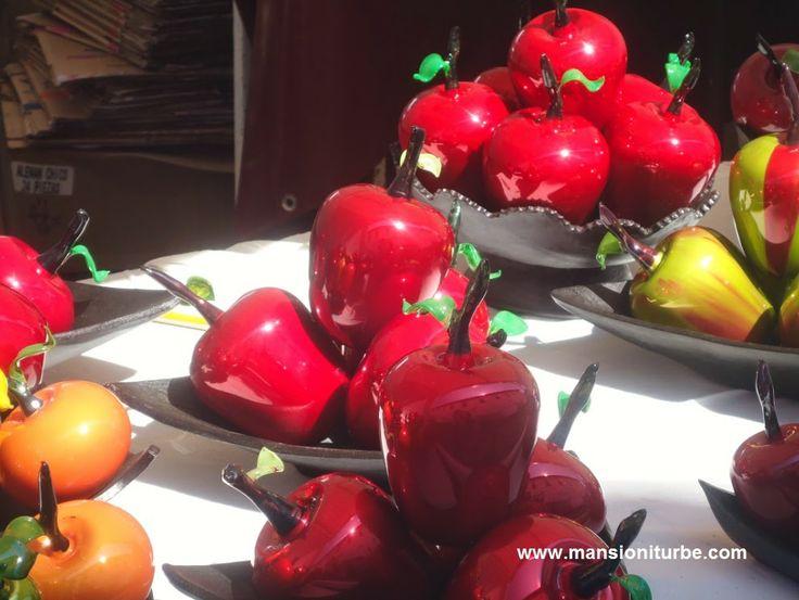esferas en forma de frutas de tlalpujahua en ptzcuaro las puedes encontrar durante los tianguis