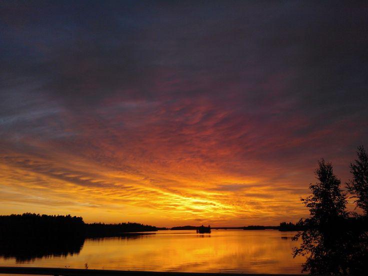 Sunset in Vesilahti, Tampere region. www.tampereallbright.fi