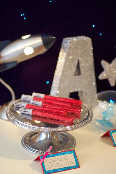 Great Website for Birthday Party Ideas for Kids - This one's a Star Wars Theme