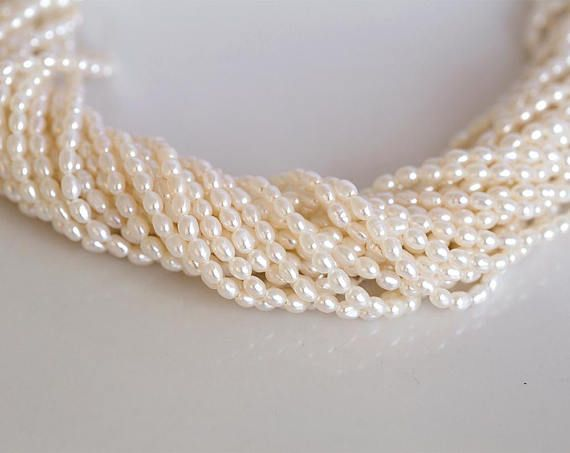 2756 Small ivory pearls 3-3.5x2.5 mm Natural white pearls