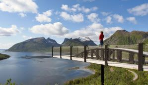 Bergsbotn viewpoint along Senja National Tourist Route, Northern Norway - Photo: Werner Harstad/Statens vegvesen