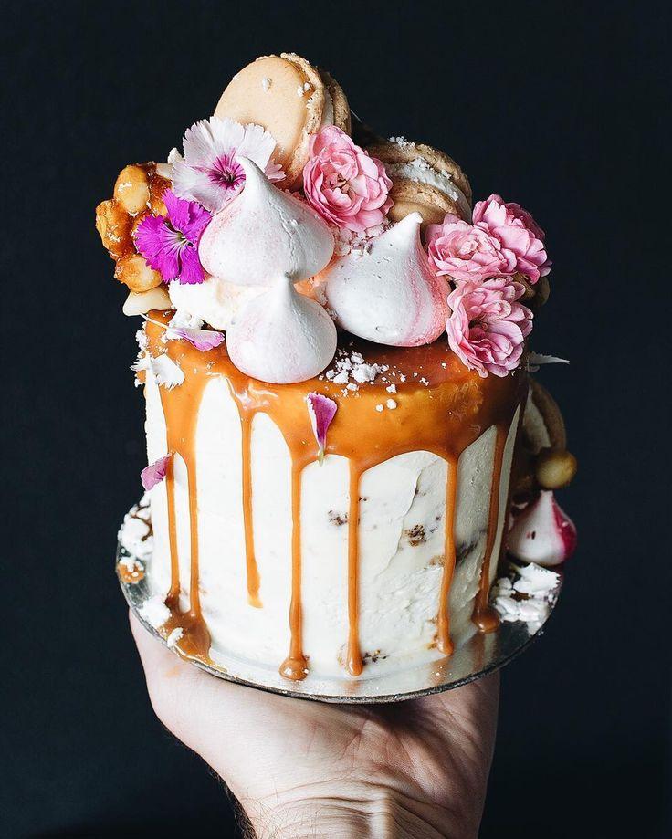 caramel drip layer cake by Sunshine Coast bakery Tome