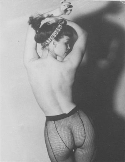 Bettie page my fav dream to have such a natural yet perfect body, beautiful.