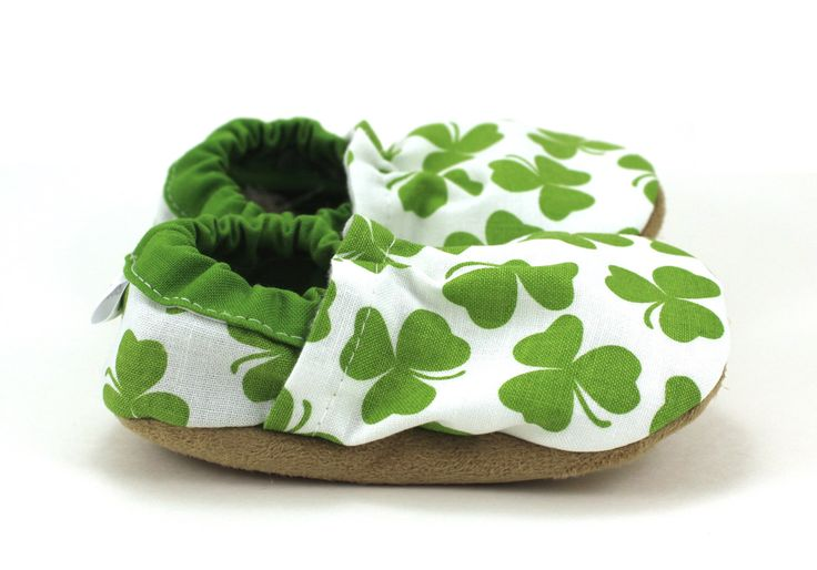 shamrock baby shoes st patricks day baby shoes green and white four leaf clover shamrock baby clothing st patricks day clothing green baby by ScooterBooties on Etsy https://www.etsy.com/listing/223506306/shamrock-baby-shoes-st-patricks-day-baby