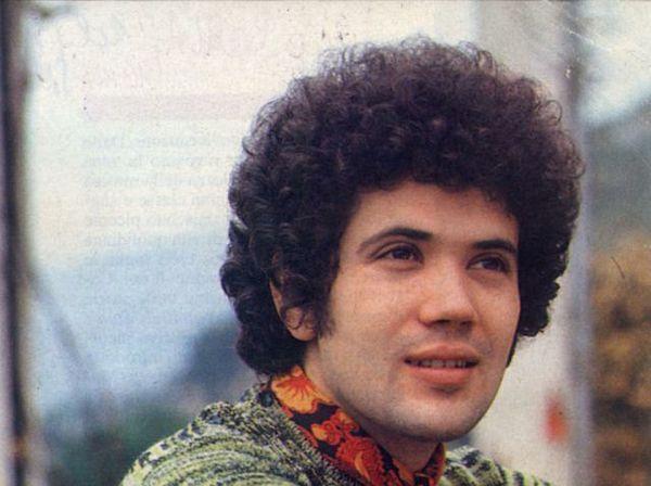 Musica italiana anni 70 : 10 cantautori che hanno segnato un'epoca