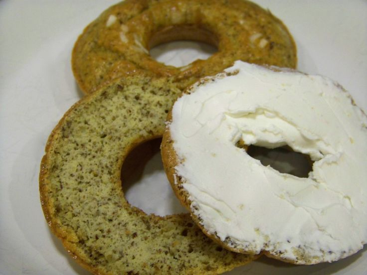 Low+Carb+Gluten+Free+Onion+Bagels :http://lowcarbyum.com/low-carb-gluten-free-onion-bagels/