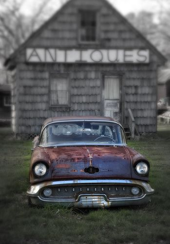 Old Car - Berlin, MD by crabsandbeer (Kevin Moore), via Flickr.@Jorge Martinez Cavalcante (JORGENCA)
