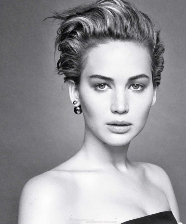 Hairstylist James Pecis gives step-by-step instructions for Jennifer Lawrence's Christian Dior campaign hair, plus tips for styling in-between lengths.
