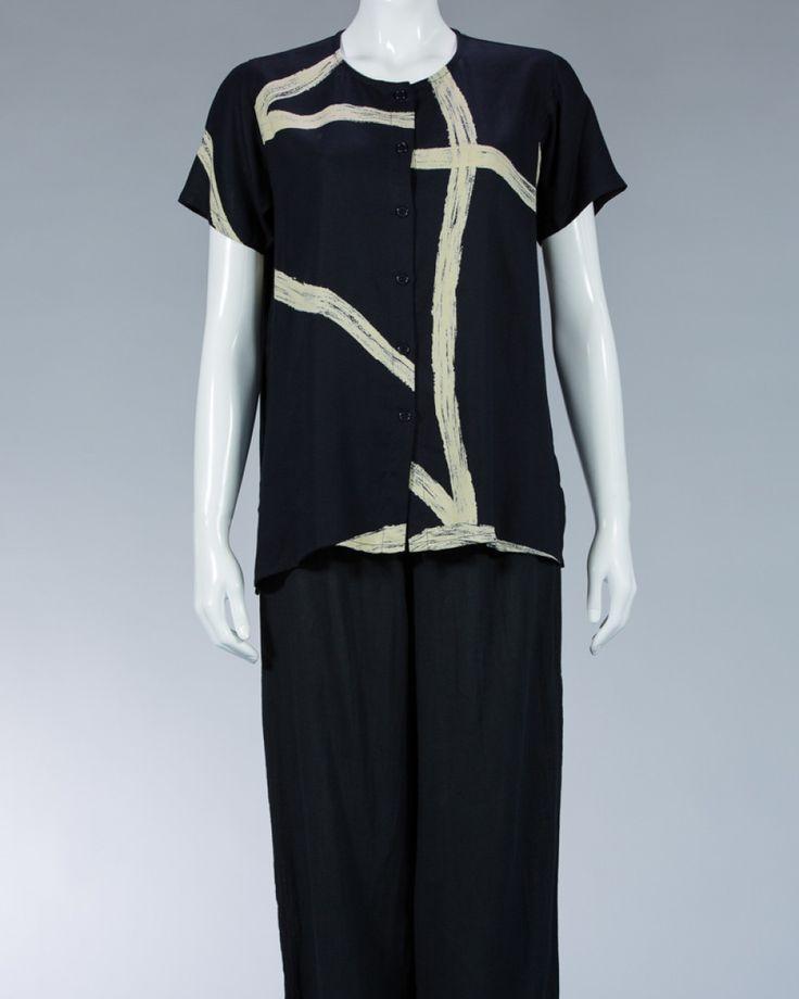 Animale ladies shirt printed motif -#WomenSkirt #Dress #SummerFashion #Animale #WomenWear #WomenFashion #MotifClothes #LightClothes