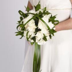 Sposarsi a gennaio, matrimonio tra garofani e ghiaccio