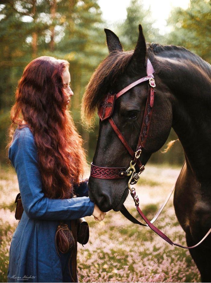 Norah Kohle with her horse Leia (Miina Anahita photograpy)