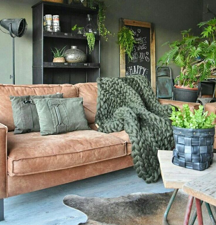 This style is what i'm really loving at the moment. Love the couch with the thick nitted blanket