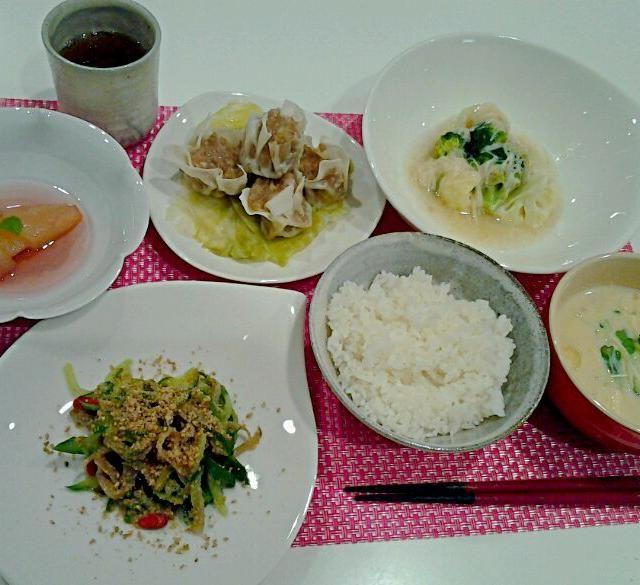 料理は実験みたい。満腹!;-) - 3件のもぐもぐ - れんこんしゅうまい、花野菜のほたてあんかけ、ザーサイときゅうりの和え物、豆乳スープ、洋梨のコンポート by esamyuel