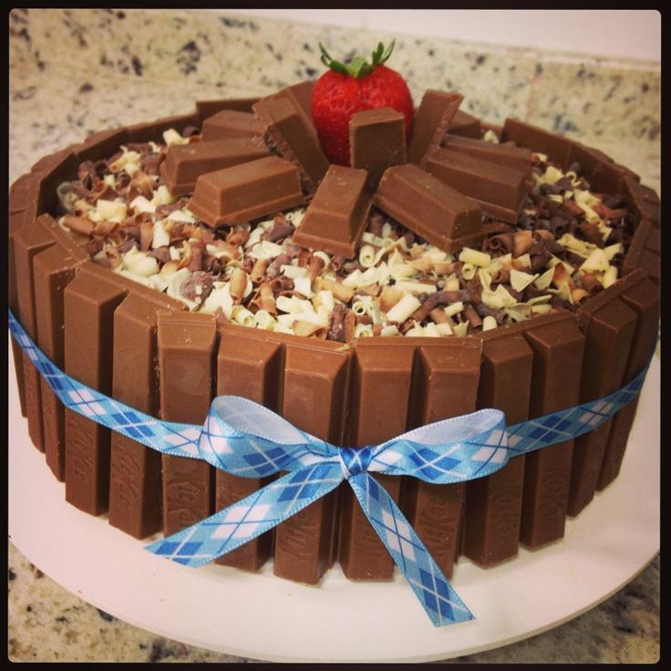 Cake Decoration Kit Kat : Kit kat cake cakes Pinterest Kit kat cakes and Cakes