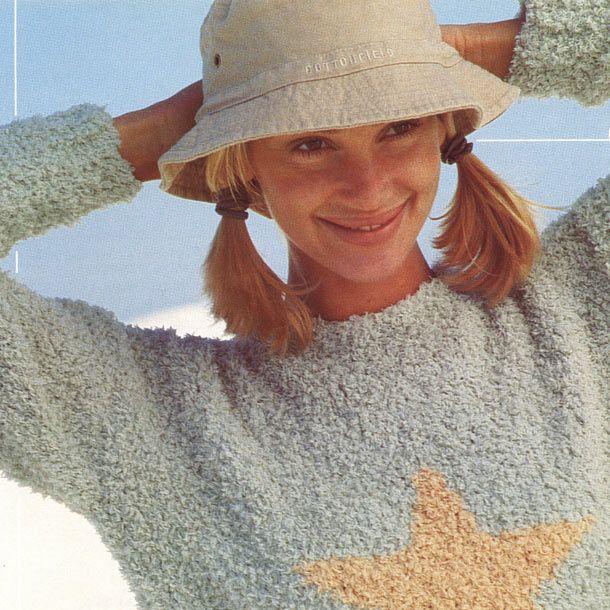 Женский свитер спицами со звездой