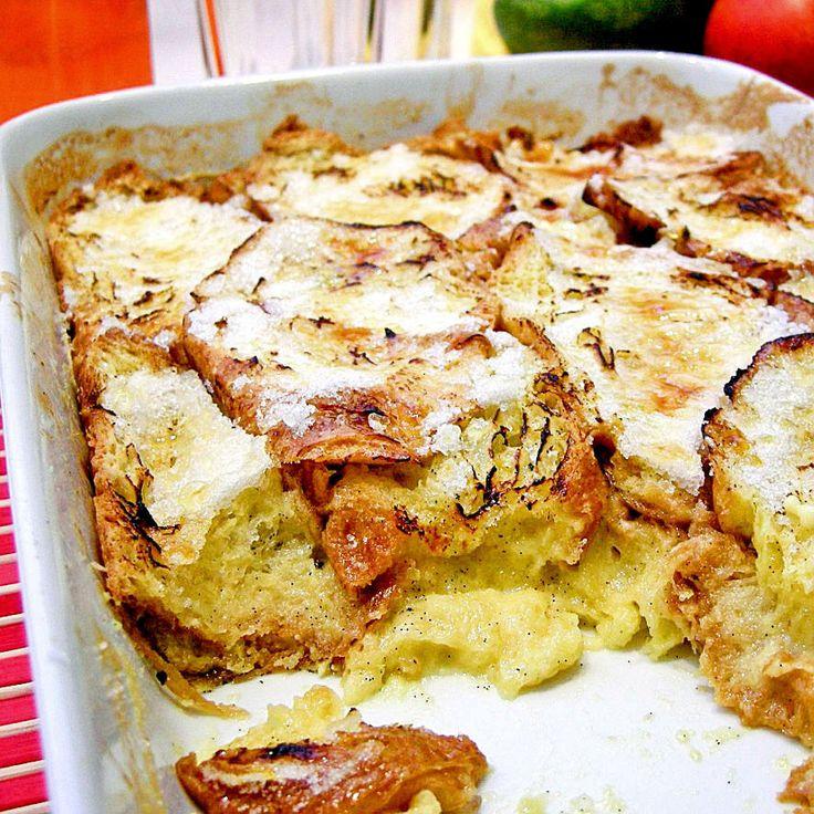 Bread and butter pudding, maar dan anders. Met croissants, room, een vleugje citroen en echte vanille. Hier kun je niet genoeg van krijgen!