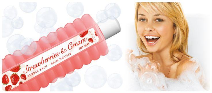 AVON Bubble Bath Schaumbad Erdbeer-Sahne. Baden Sie im luxuriösen Duft von Erdbeer-Sahne. Ihre Haut fühlt sich weich und geschmeidig an und duftet angenehm fruchtig.