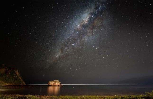 Indiai-óceán az éjszakai ég alatt