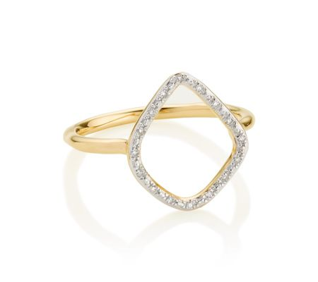 The irregular hoop shape on this ring measures approximately 15mm x 13mm (0.6 x 0.5