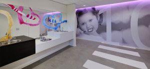 Interieur tandarts >> Arratoon Vlissingen heeft een prachtige praktijk gekregen waarbij we een deel van onze commerciële talenten beschikbaar hebben gesteld. Ook plannen? Bel WSB 033-277174