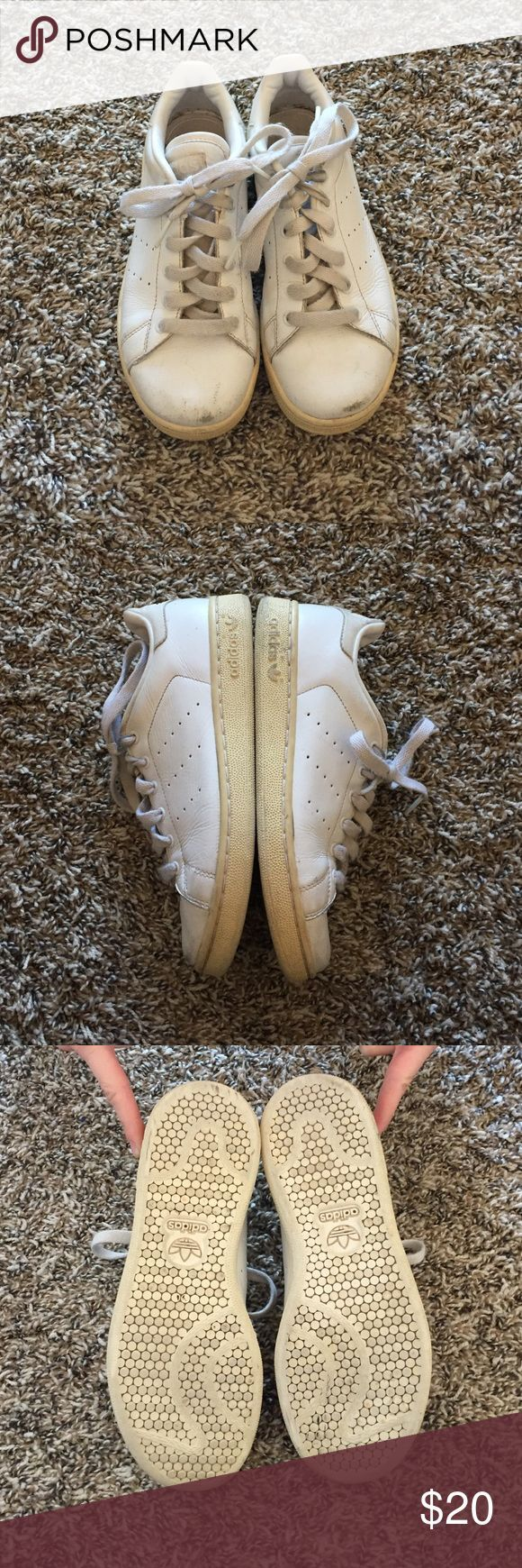 Nice Adidas Shoes Stan Smith Adidas Tennis Shoes These Stan Smith style Adidas are a kids size 2.5...