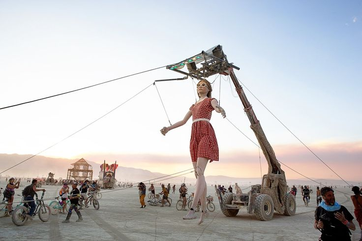 Miguel Angel Martin Bordera, Stepping Forward, an over 20-foot-tall marionette that moves about Black Rock City at Burning Man 2017. Courtesy of the Burning Man Journal.