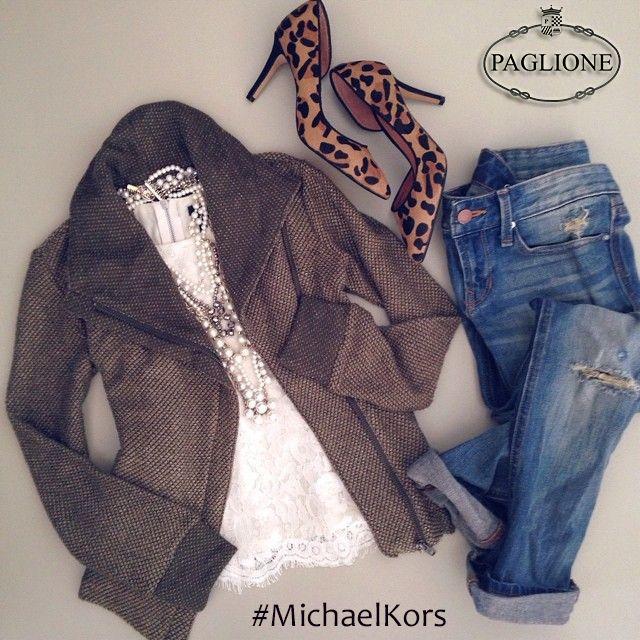 Cosa Ne Pensate Del Nostro #Outfit??? Scopri la nuova #collezione Michael Kors su: http://goo.gl/219r8O #ShoppingOnline #ShoesMichaelKors #Decolletè