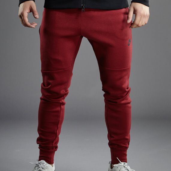Nike Sportswear Tech Fleece Pant - 1mm - Medium Team Red Heather / Team Red / Black
