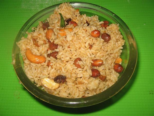 Puliyodharai   Tamarind Rice   Puliyogare
