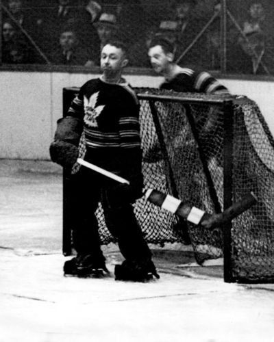 Goalies style before: George Hainsworth
