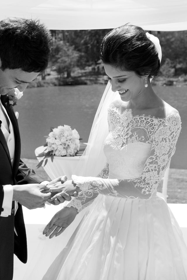oh my goshWedding Dressses, Lace Tops, Lace Wedding Dresses, Lace Sleeve, Winter Wedding, Romantic Lace, Dreams Dresses, The Dresses, Lace Dresses