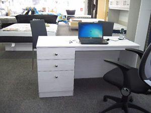 1000 id es sur le th me meuble ordinateur sur pinterest bureau bureaux et meuble. Black Bedroom Furniture Sets. Home Design Ideas