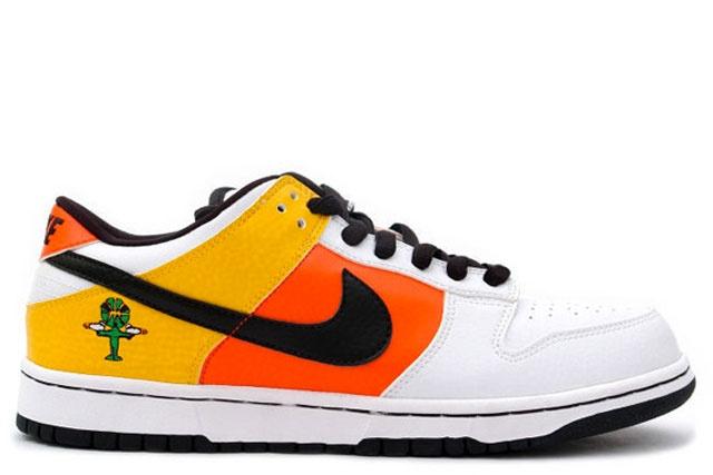 """Nike SB Dunk Low """"Raygun"""" (2005)"""