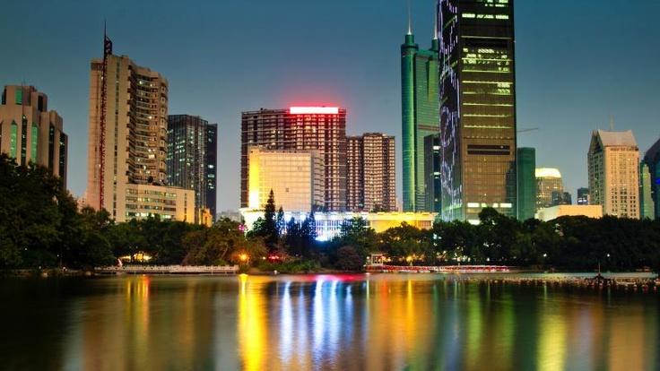 China polices online identity, creates marketing gold mine