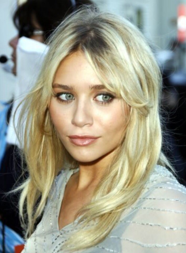 Grown out fringes are a key trend this spring//summer