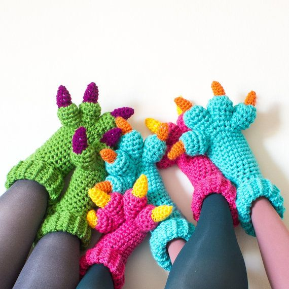 Costume de monstre chaussons CROCHET PATTERN PDF par KnitsForLife