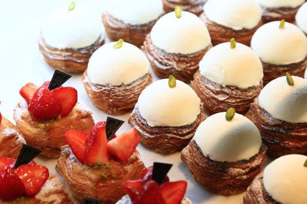 ベーカリー&カフェの店『JEAN FRANCOIS(ジャン・フランソワ)』がヴィエノワズリーを専門とする新業態『Viennoiserie JEAN FRANCOIS(ヴィエノワズリー ジャン・フランソワ)』をGINZA SIXにオープン。ヴィエノワズリーはフランス語で菓子パンという意味。まるでケーキやスイーツのようなメニューに、銀座限定のメニューもご紹介します!