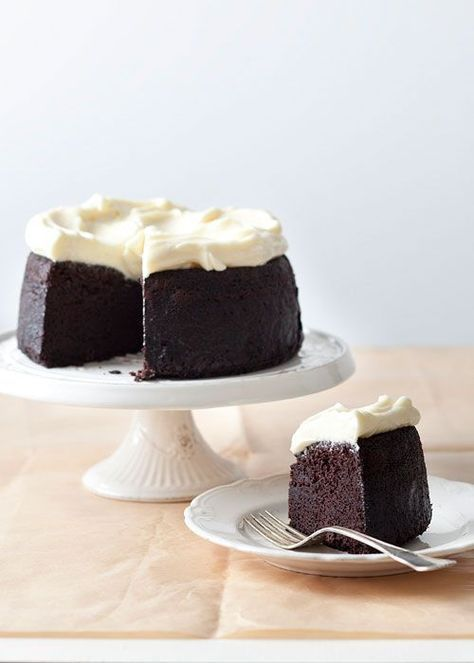 guinness chocolate cake with whiskey cream cheese frosting @James Chin