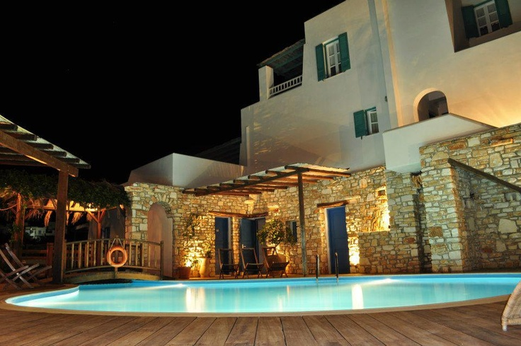 Enjoy the swimming pool of Aloni Hotel #Paros. http://www.aloniparos.com/