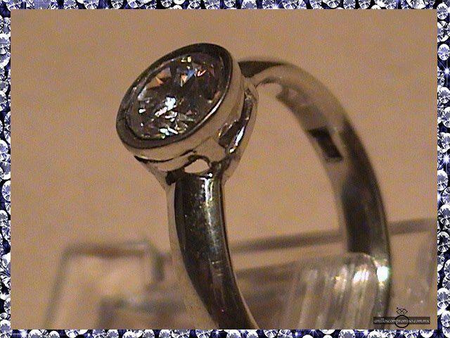 anillo de compromiso 7 piedras en Veracruz México y anillos matrimoniales https://www.webselitemx.com/anillos-de-compromiso-y-matrimoniales-boda-veracruz-m%C3%A9xico/