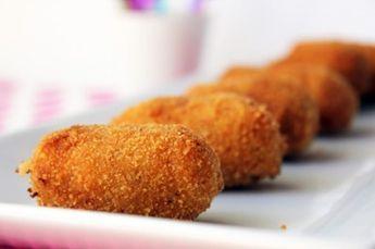 Típicas croquetas de pollo rostizado para el lunch.