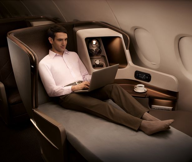 Singapore Airlines 777-300ER Business Class Seat