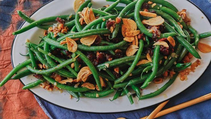 This Green Bean Salad Has GARLIC CHIPS, People | Bon Appetit