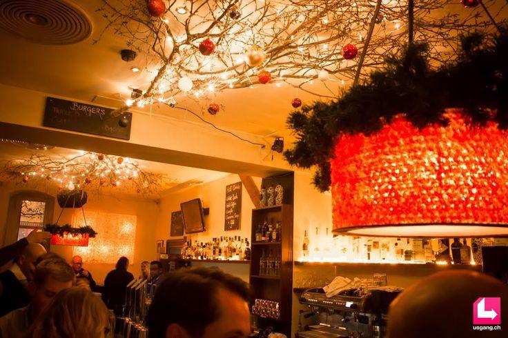 Die Bildergalerie mit den besten Partyfotos zum Event Zürich Pub Crawl, 08.12.2016, Paradeplatz Zürich findest du auf usgang.ch @ http://zuerich.usgang.ch/picture.php/thumbnails?n=708980&p=5084615