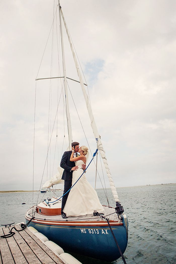 To be whisked away on a sailboat umm yes please! awwww :'0) x