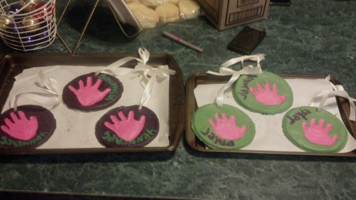 My nieces hand prints for moms nana papa and grandparents..a single batch only gets you two hand print molds if you want more double the batch..need for ten min bake at 200 for 4hrs let cool then decorate add sealant gives it a shine and  protects the paint.