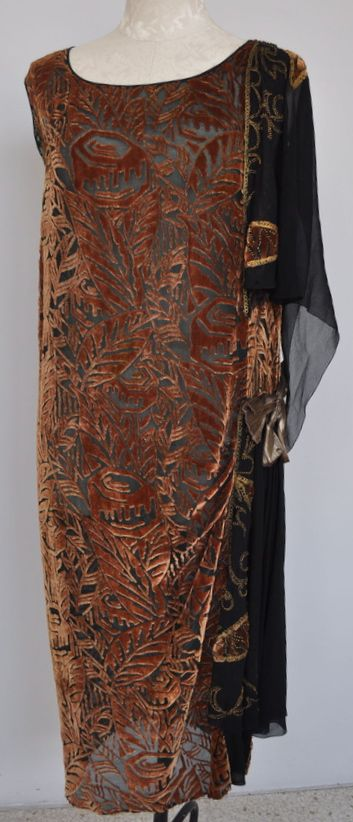 1920s Burnout Velvet Asymmetrical Evening Gown.  Looks like a Gallenga gown