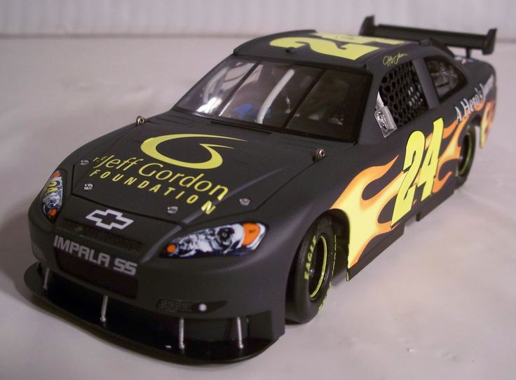 2008_Jeff Gordon_#24_1-24_JG Foundation Test Car_2008 Impala SS_(Action)_02